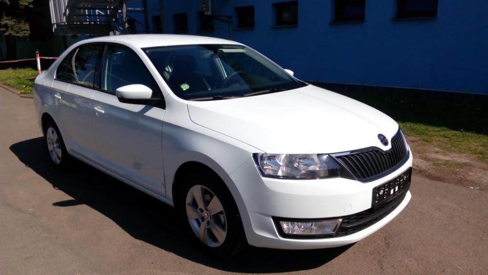 Půjčte si Škoda Rapid