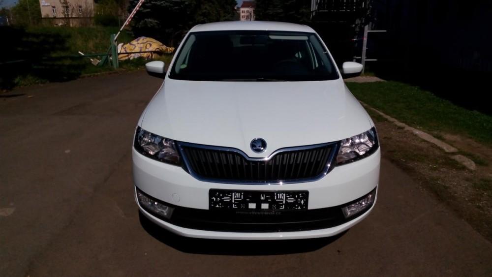 Pronajměte si vůz Škoda Rapid