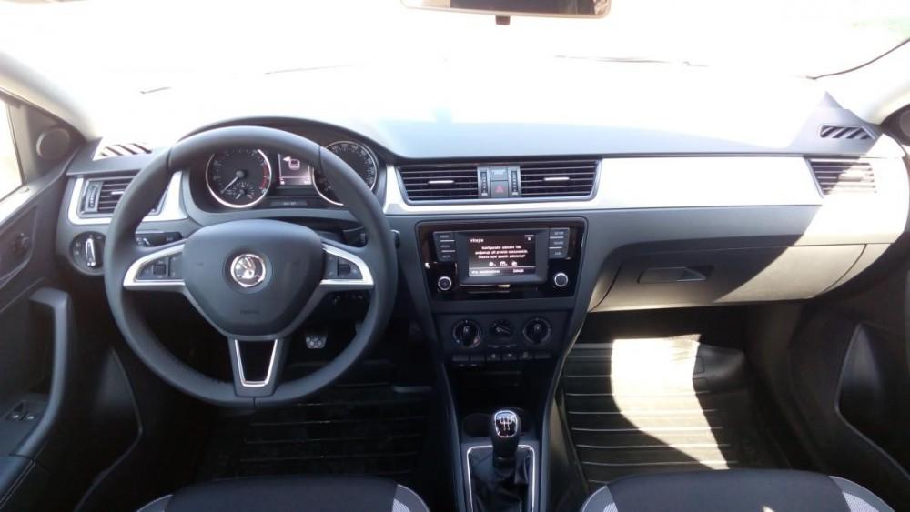 Škoda Rapid - interiér