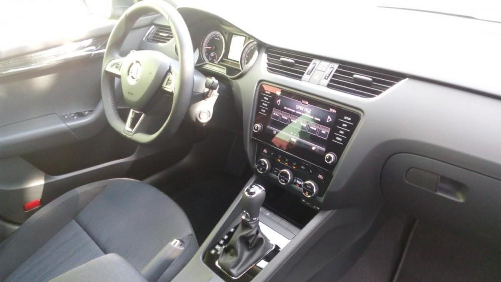Autopůjčovna Škoda Octavia Combi Diesel AUTOMAT