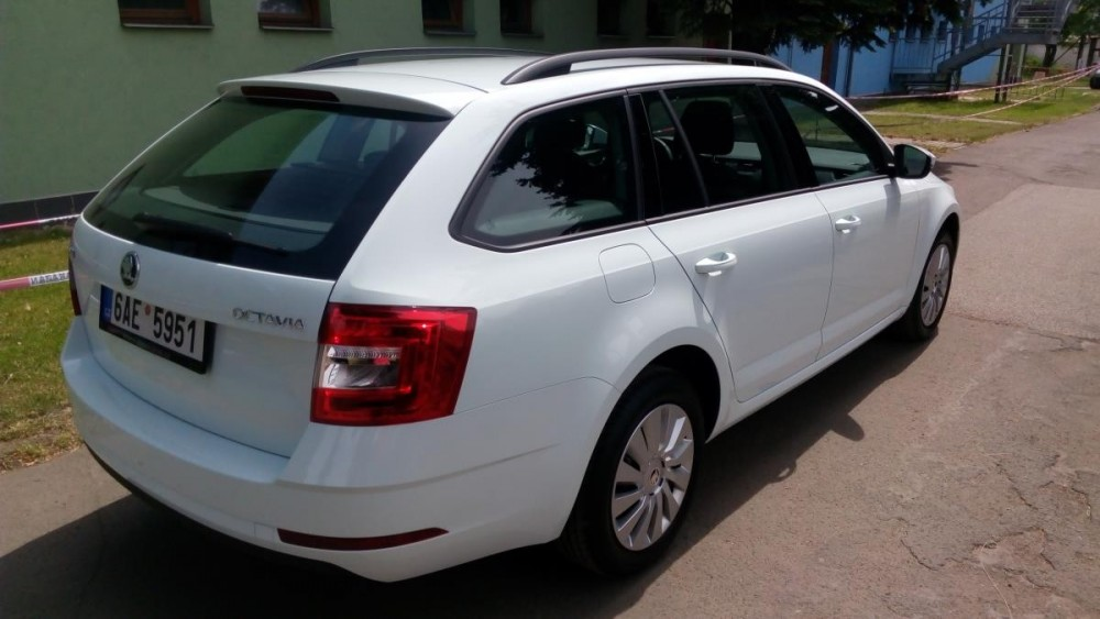 Škoda Octavia combi k pronajmutí