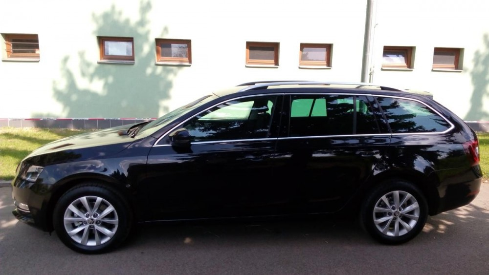 Škoda Octavia combi diesel business ke krátkodobému pronájmu