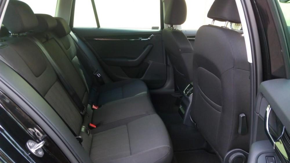 Zadní sedačky Škoda Octavia combi diesel business
