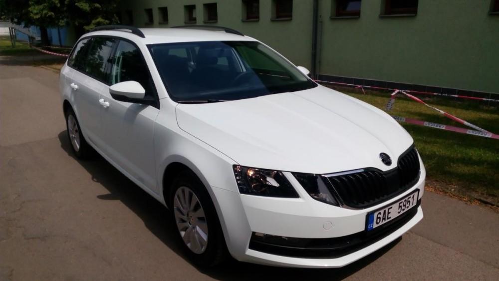 Vůz Škoda Octavia combi diesel basic