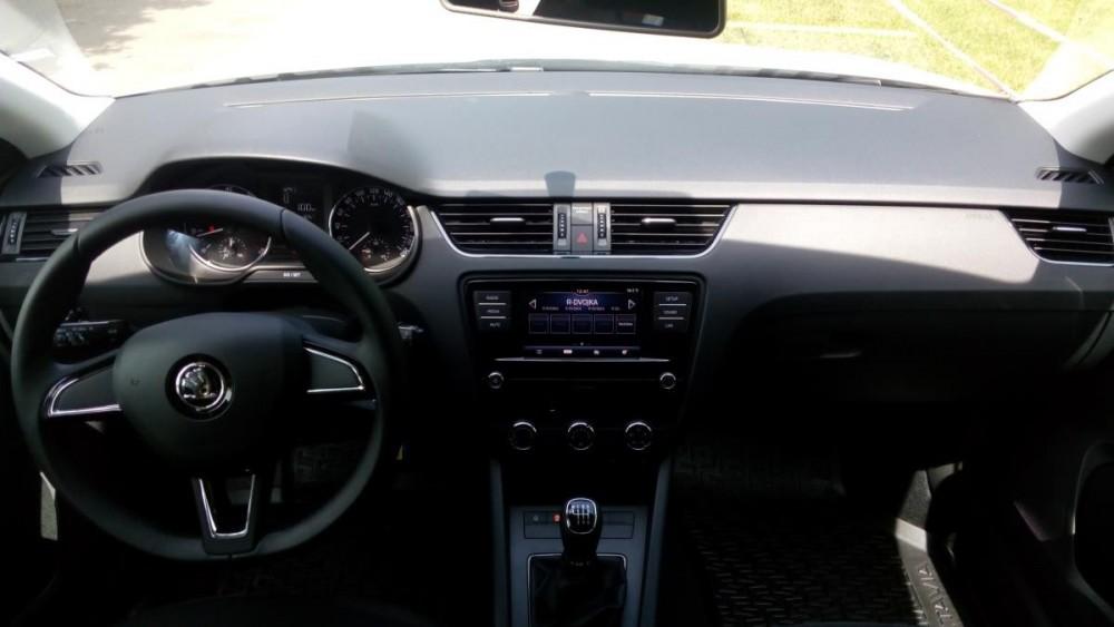 Interiér Škoda Octavia combi diesel basic