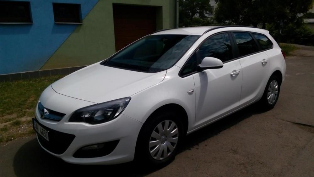 Vůz Opel Astra combi diesel