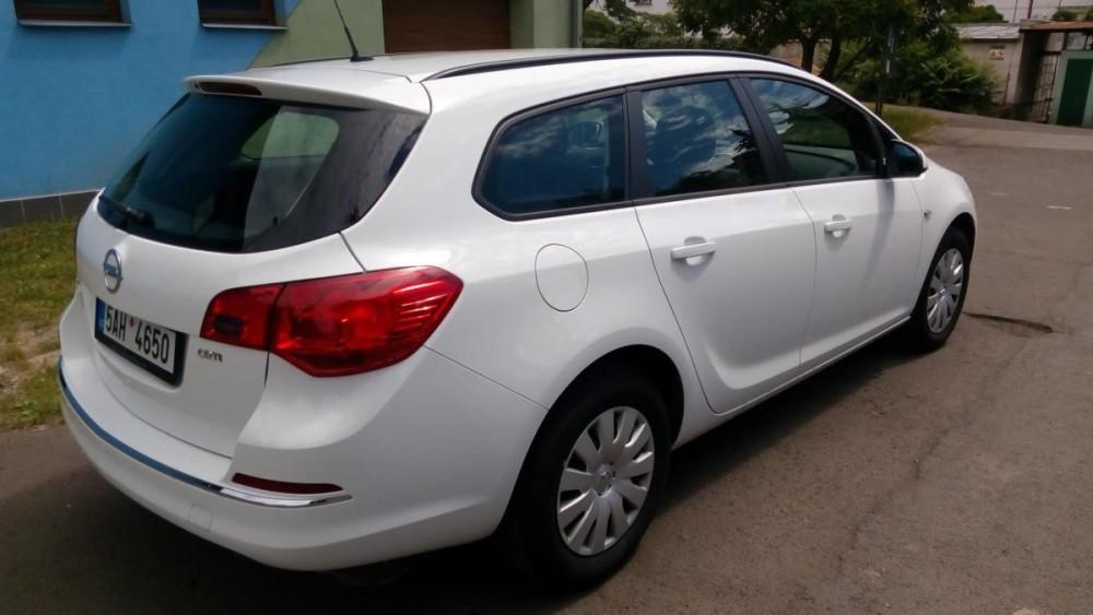 Opel Astra combi diesel k pronajmutí