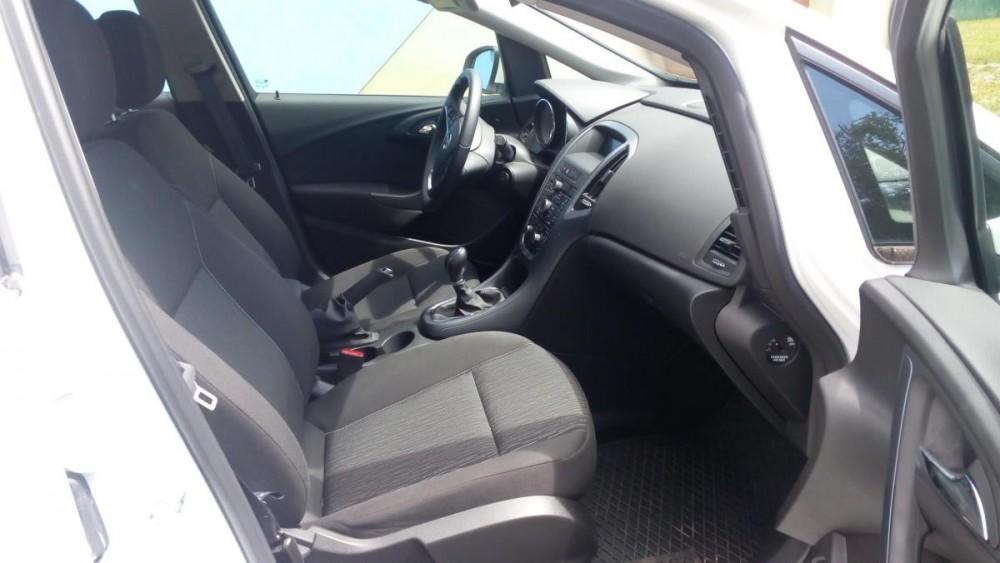 Přední sedačky Opel Astra combi diesel
