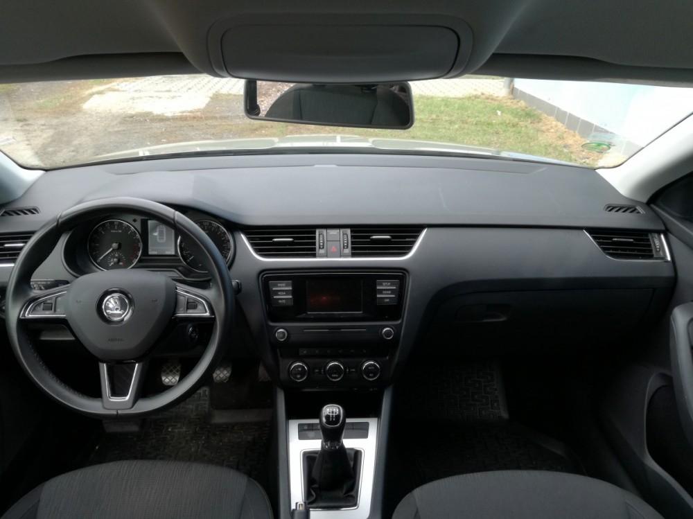 Přístrojová deska Škoda Octavia diesel kombi business 2016
