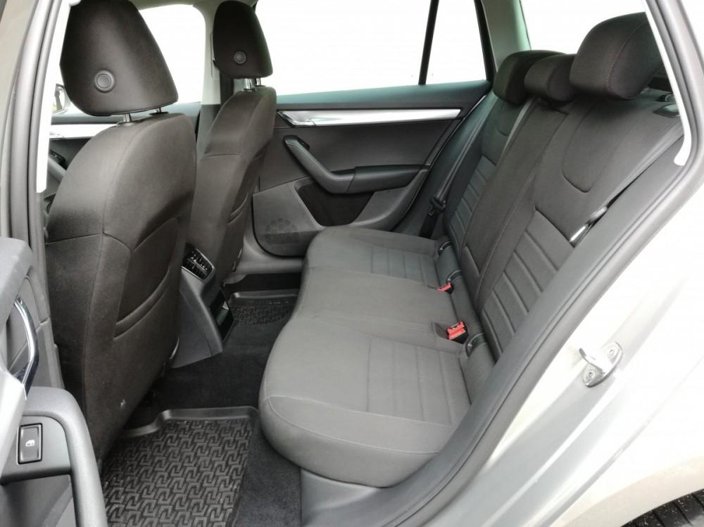 Zadní sedačky Škoda Octavia diesel kombi business 2016