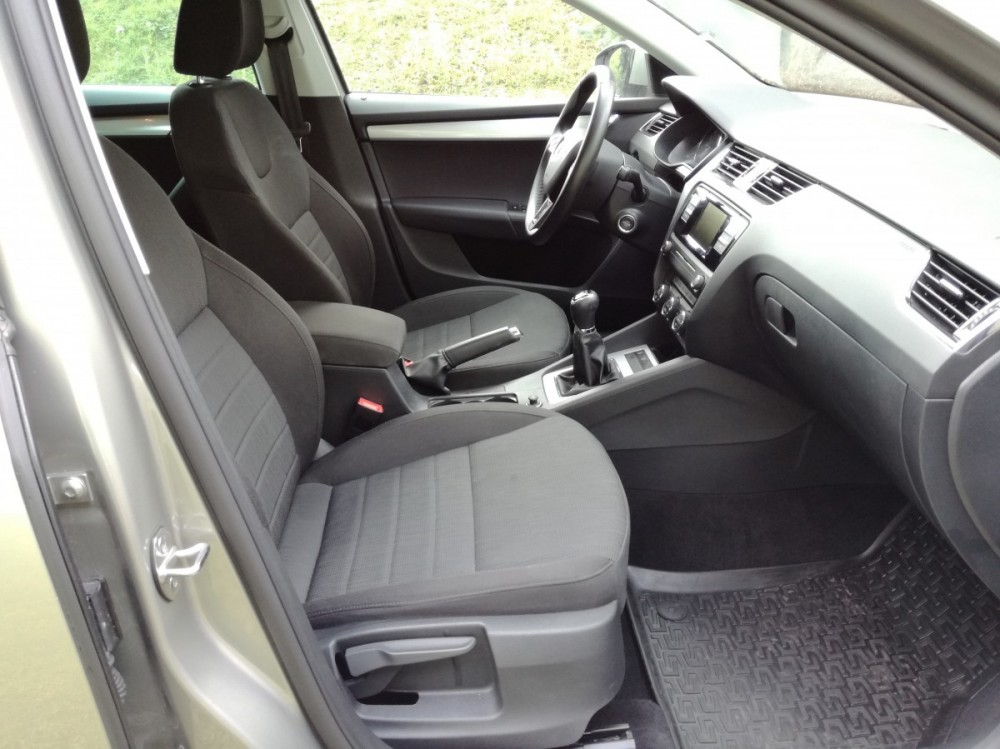 Výbava Škoda Octavia diesel kombi business 2016