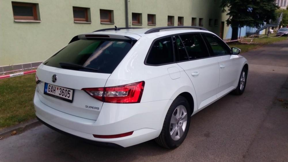 Škoda Superb III combi diesel k zapůjčení