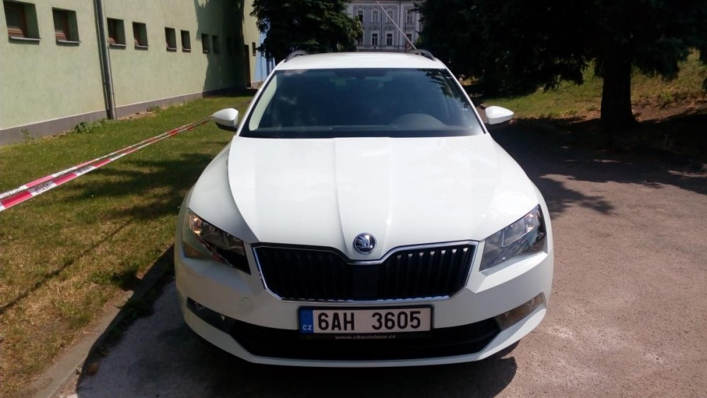 Autopůjčovna Škoda Superb III combi diesel
