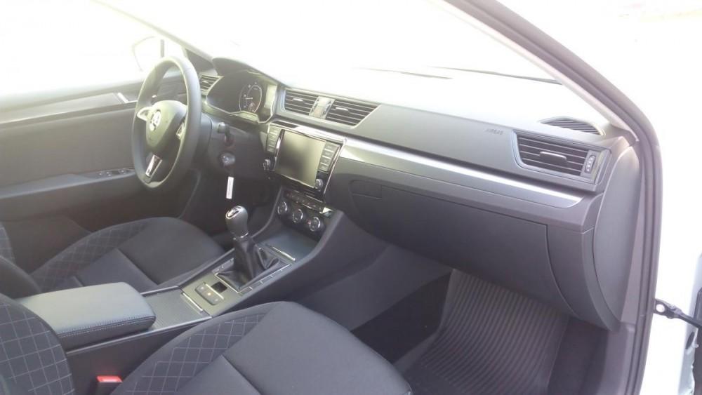 Interiér Škoda Superb III combi diesel